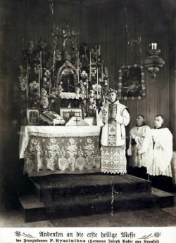 Originalbeschriftung: Andenken an die erste heilige Messe des Franziskaners P. Hyacinthus (Hermann Josef Becker aus Krunkel), gefeiert am heiligen Weihnachtsfeste 1902 in Curityba (Südamerika)
