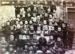 Schulbild der 1. Epgert Volksschule von 1895